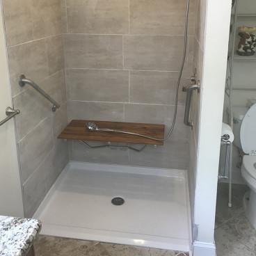 4836bfpan barrier free shower