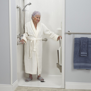 ada-transfer-shower-for-senior-living