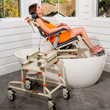 Tilted Tub Buddy Chair in small oval tub